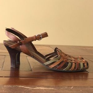 Naturalizer | Quenby | leather strappy sandals
